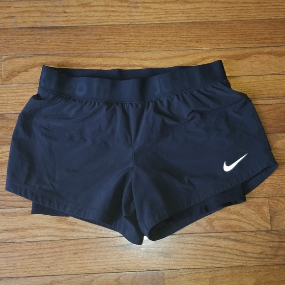 86755bb09364 Nike Icon Woven 2 in 1 Running Training Shorts. M 5b9809612beb798050e3e5f3